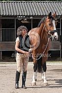 Yvonne Kroonenberg met paard